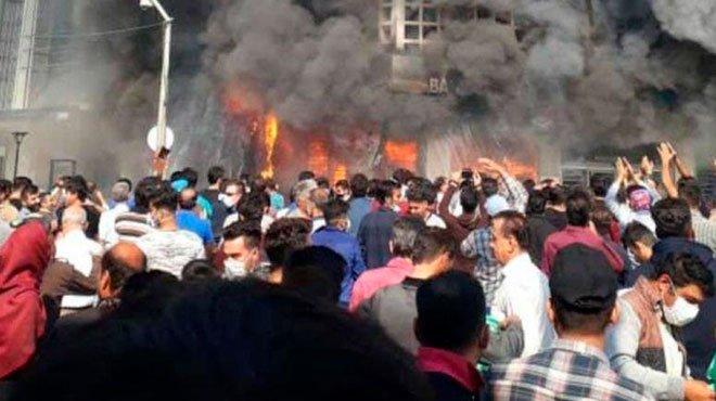 反政府デモが続くイランは、変われるのか?