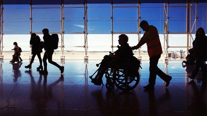 参院が重度障害を持つ議員の介助費を負担 重度障害者の就労の「今」