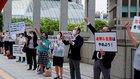 幸福実現党の七海氏と経営者有志が、東京都のロードマップに抗議