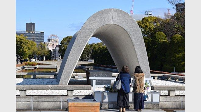 G7外相会合、平和記念公園で献花も 原爆投下の誤りを認める時期が来ている