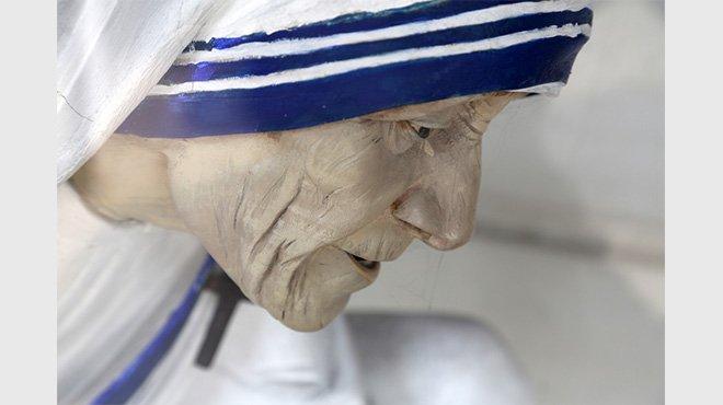 マザー・テレサ、「奇跡」認定され聖人へ