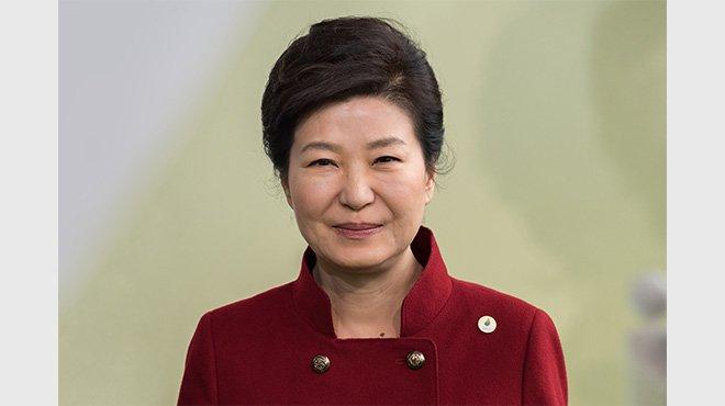 韓国総選挙 レームダックの朴大統領 「奥の手」は「禁じ手」