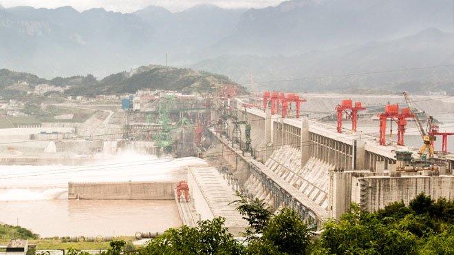 中国・長江の大洪水、令和に相次ぐ台風、沖縄・首里城の火災…… 災害の奥の「天意」とは