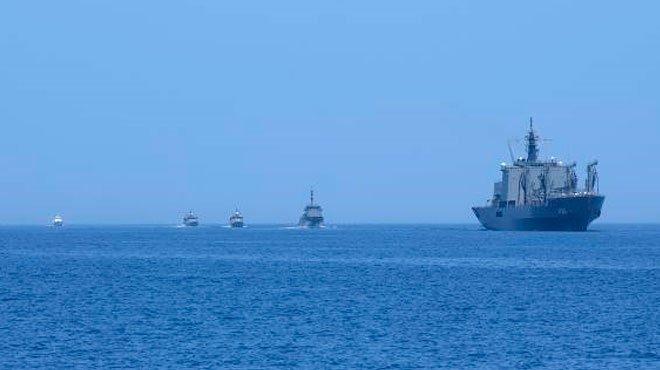 日米豪印が海上共同訓練 中国をけん制
