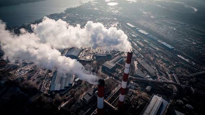 コロナ不況で、CO2はやっと「パリ協定」レベル……これ本気で続けますか?