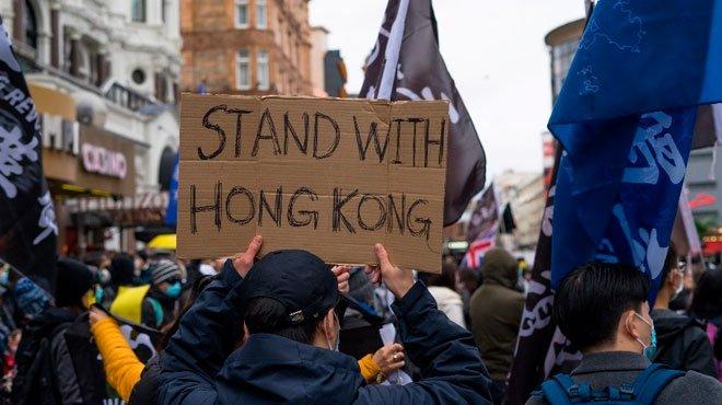 香港民主派約50人が逮捕される 米ジョージア州上院選とイギリス感染拡大で中国が強攻