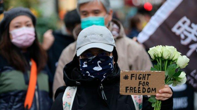 """英政府が520万人推定の香港市民に特別ビザ 日本外務省は""""迫害側""""に立つのか"""