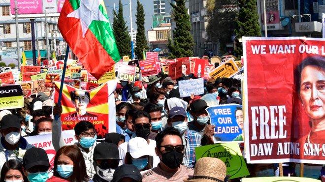 中国製ドローンがミャンマーデモ隊を監視 「天安門事件を輸出」する中国