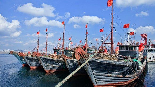 中国水産会社がインドネシア人を強制労働させ、輸入を差し止められる 中国が違法操業した水産物が日本の食卓に並んでいた!