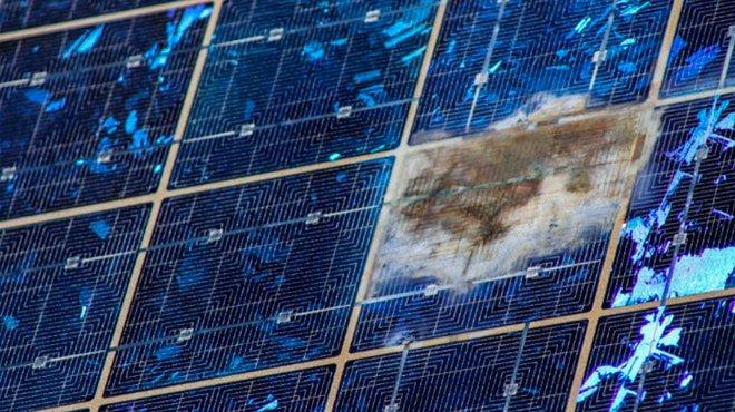 読売は「太陽光コスト割高」、日経は「太陽光、30年最安に」 経産省試算に対し両者正反対の見出しとなった理由