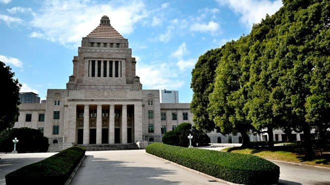 岸田首相の所信表明演説で「人流抑制のための法改正」掲げる 4度の緊急事態宣言の重大な「副作用」を直視すべき